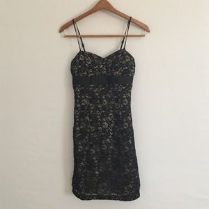 lovely black lace dress🌥